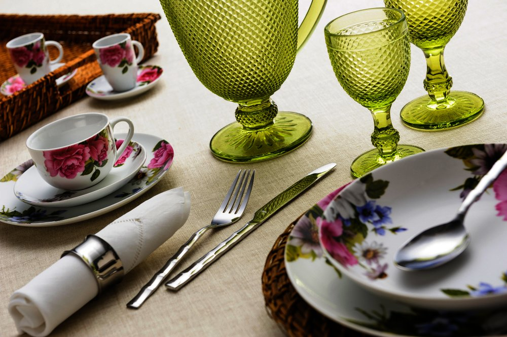 Dishes and dinnerware